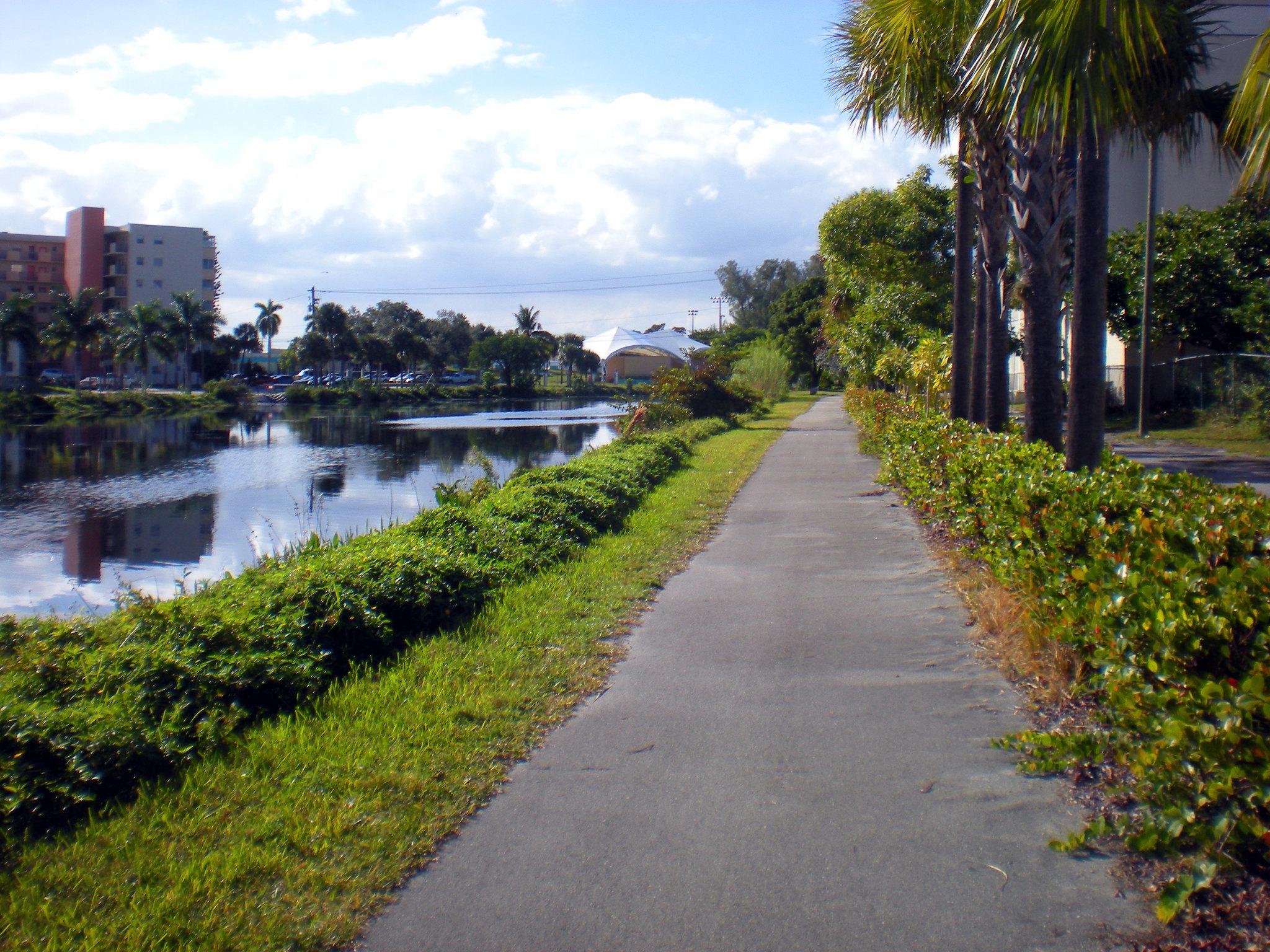 Snake Creek Trail, Hiking Miami
