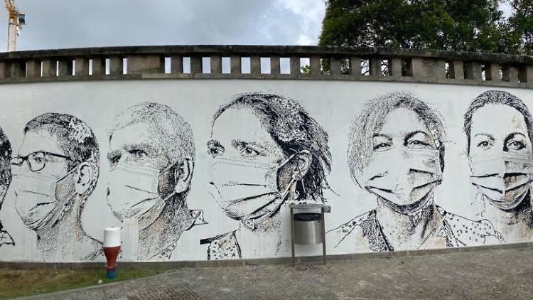 Vhils cria mural no Hospital de São João