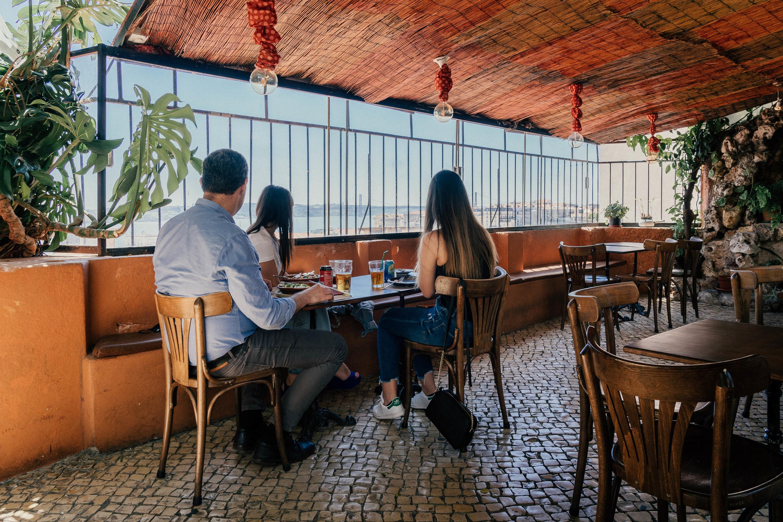 Não olhe só para o prato nestes restaurantes com vista em Lisboa
