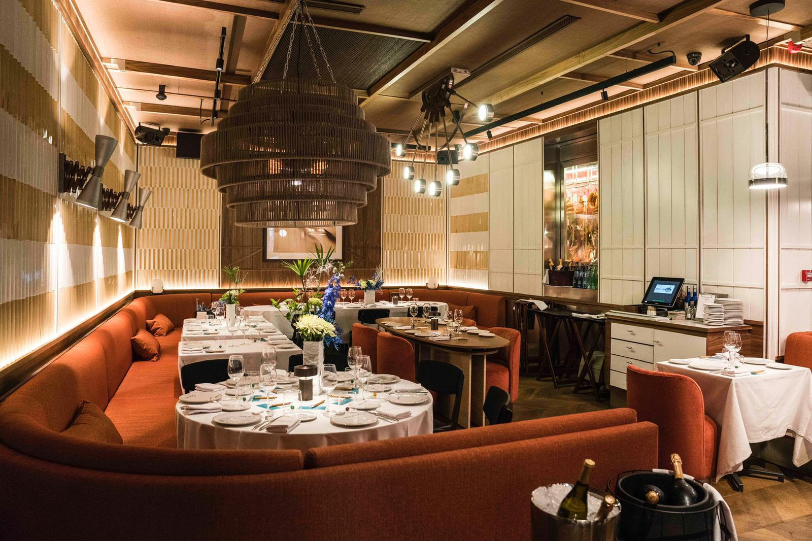 Lobito de Mar dining room