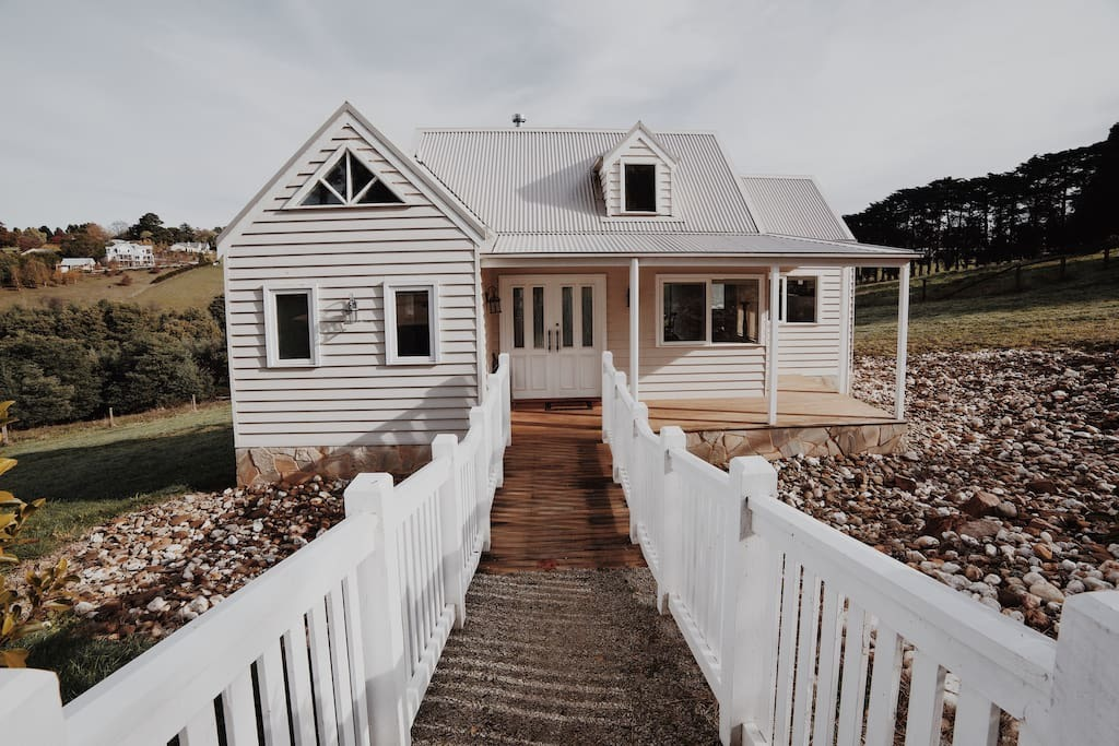 The Little White House Airbnb Emerald Victoria