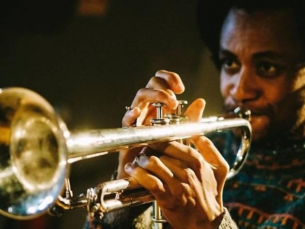 O trompetista Yew Tembe actua a 4 de Julho