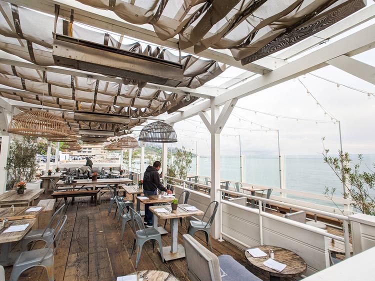 Grab a bite on Malibu Pier