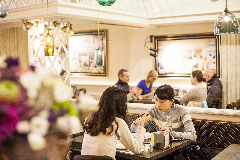 restaurant bar núria Barcelona Rambla Estrella Damm