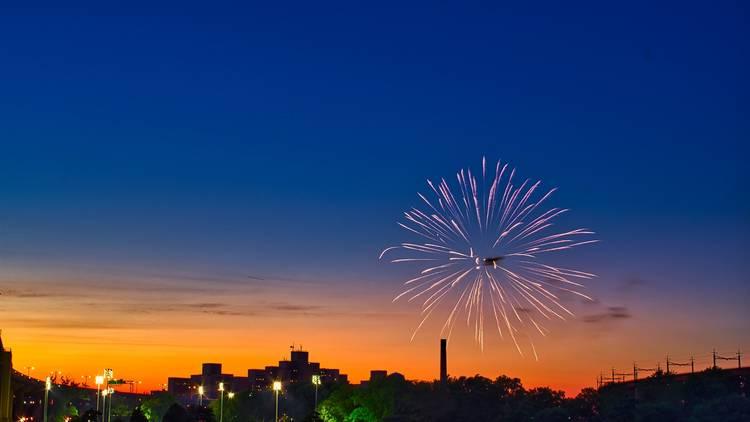 Fireworks nyc brooklyn