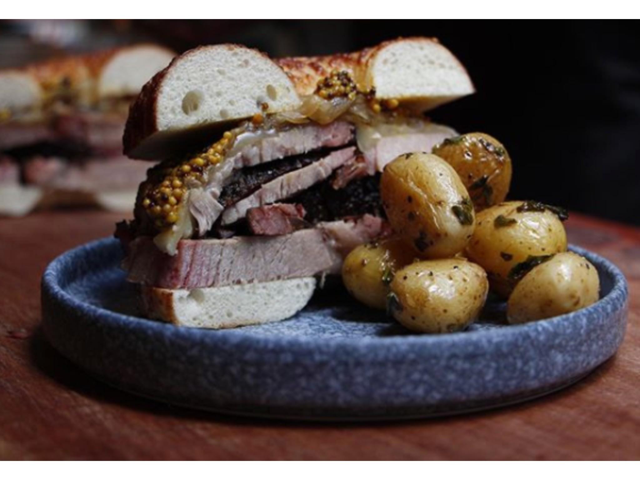sandwich reuben deli