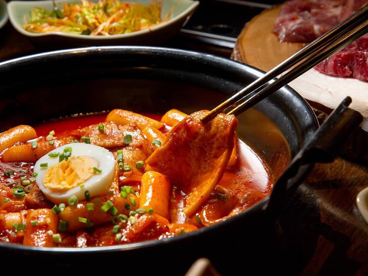 11 ร้านอาหารเกาหลีที่พร้อมให้เราไปนั่งกินเมนูโปรดในบรรยากาศที่แสนคิดถึงได้แล้ว