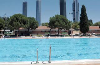 Vicente del Bosque sport centre swimming pool