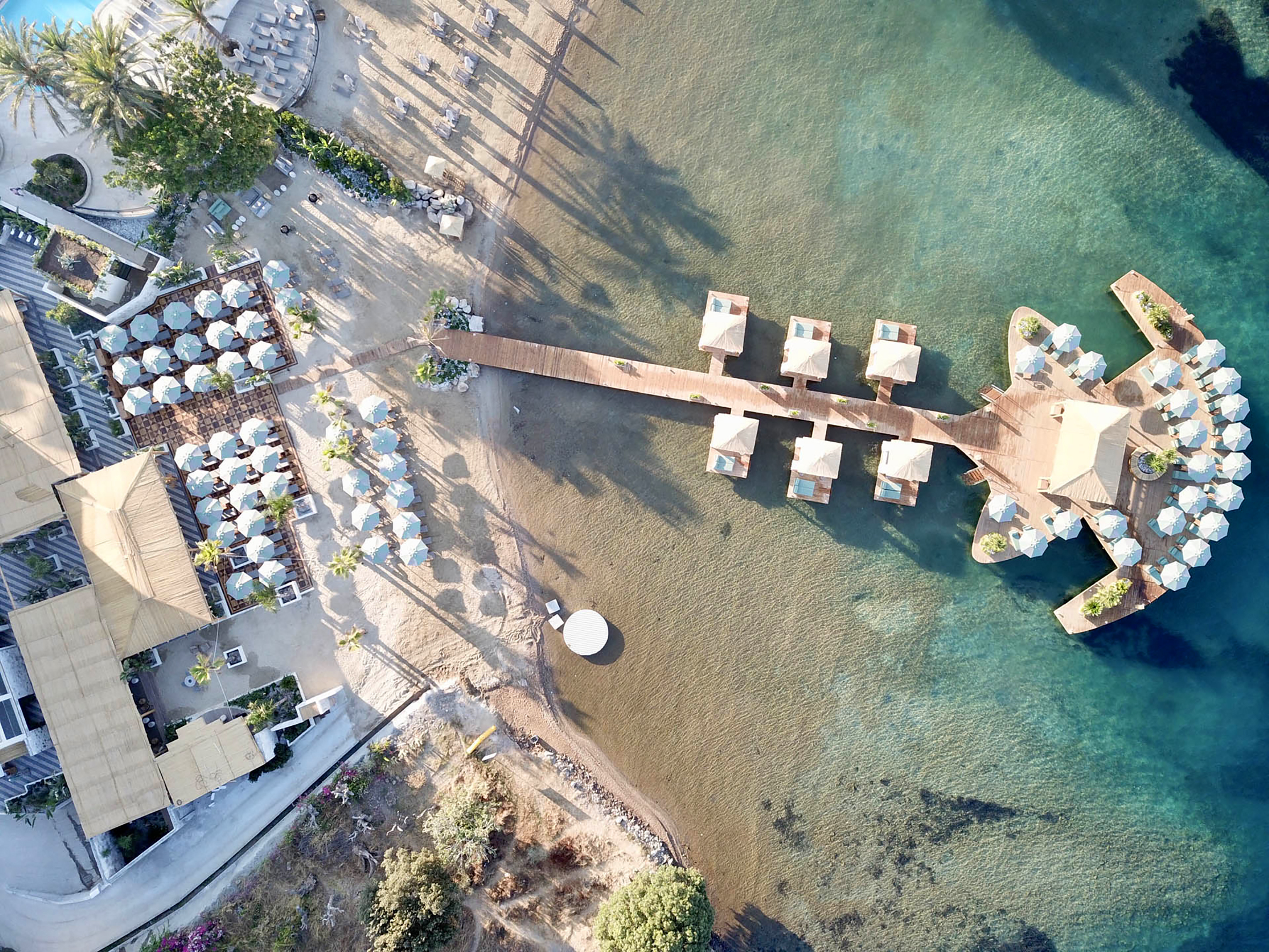 Dünyaca ünlü Villa Azur Restaurant & Beach Club Bodrum'da!