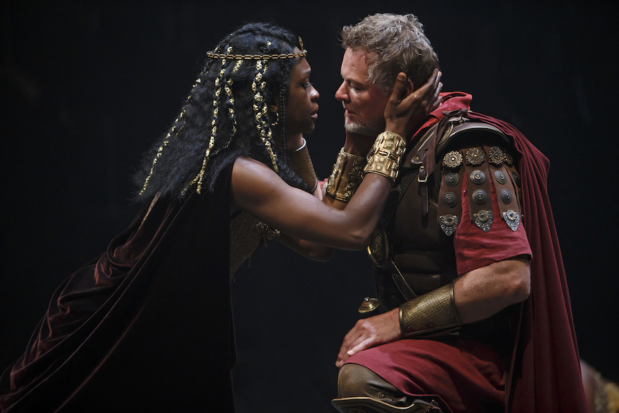 Yanna McIntosh as Cleopatra and Geraint Wyn Davies as Mark Antony in Antony and Cleopatra