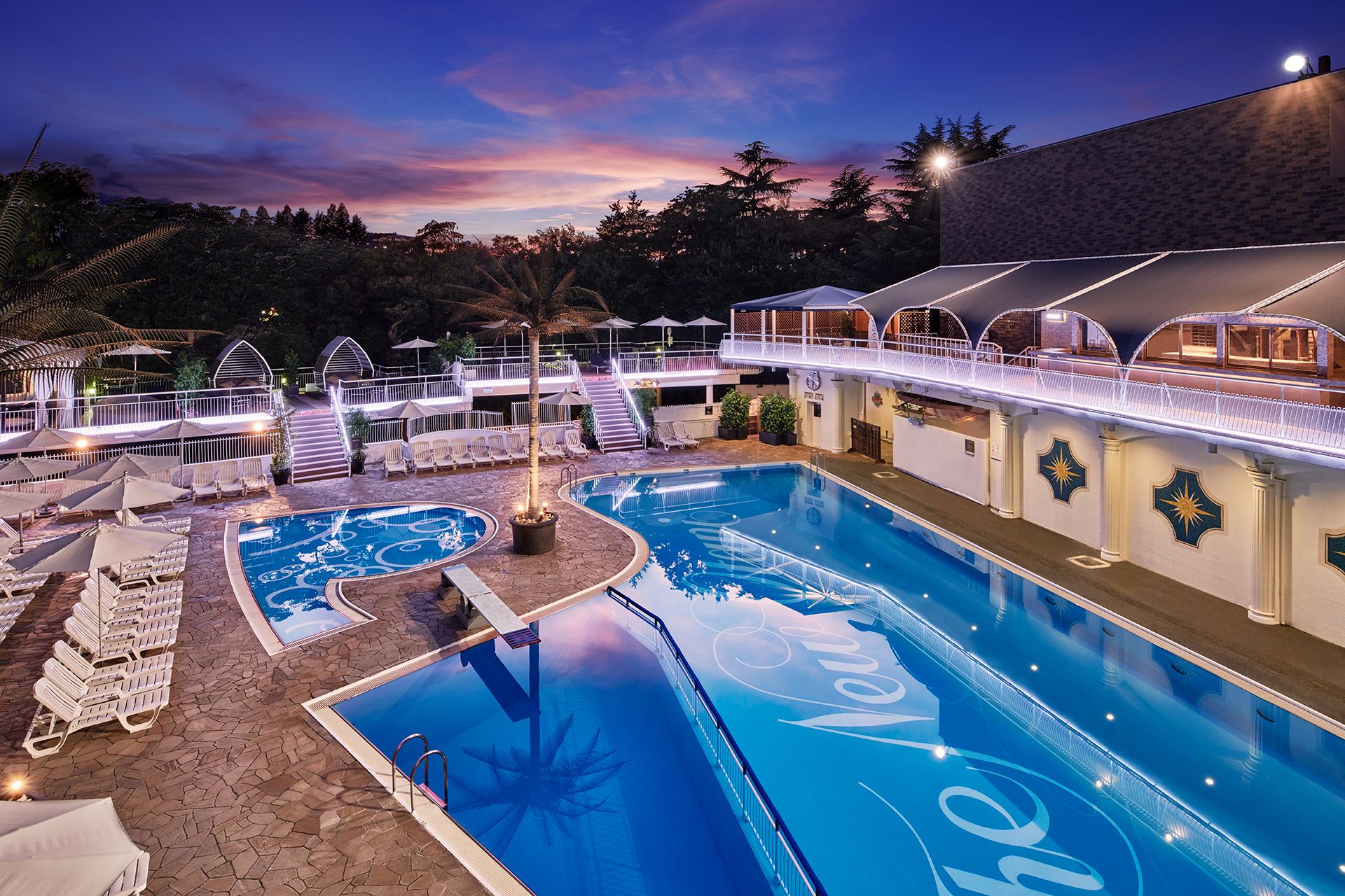 ホテルニューオータニのプール、今年は宿泊プラン利用者限定で営業