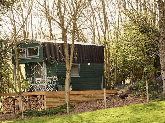 The Hut, near Rye, Airbnb
