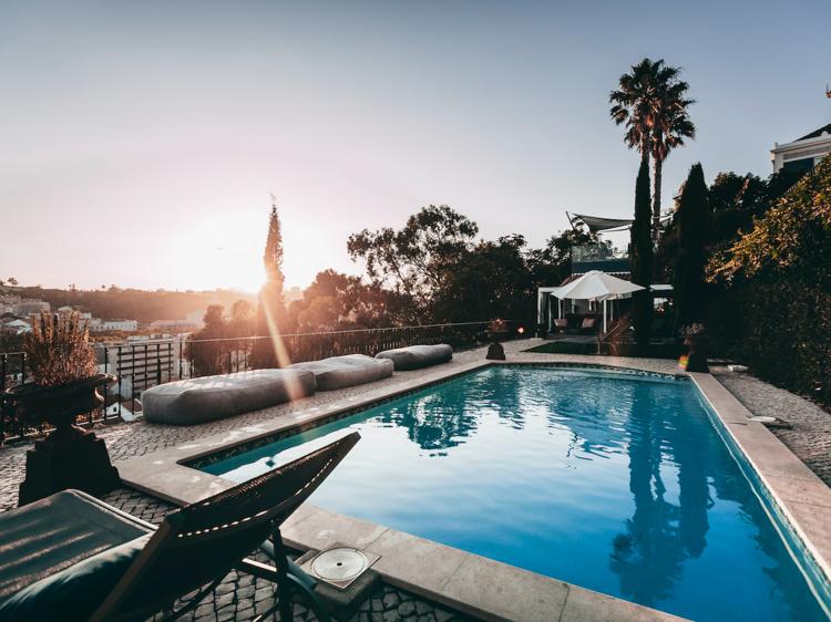 Os melhores hotéis com piscina em Lisboa e arredores