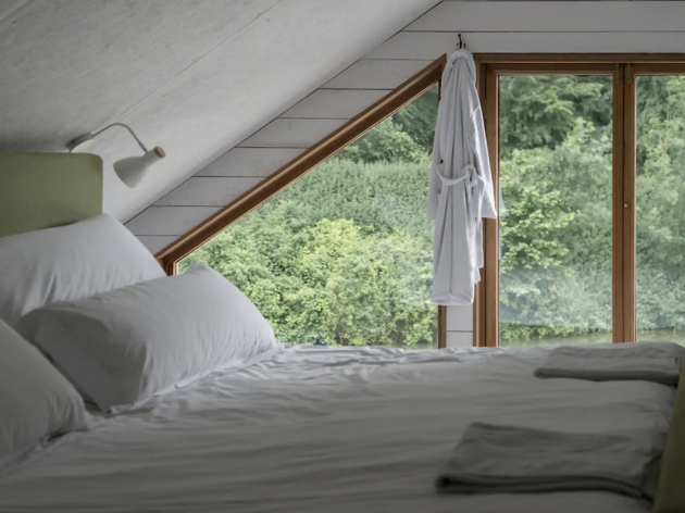 Ditching Cabin, Airbnb