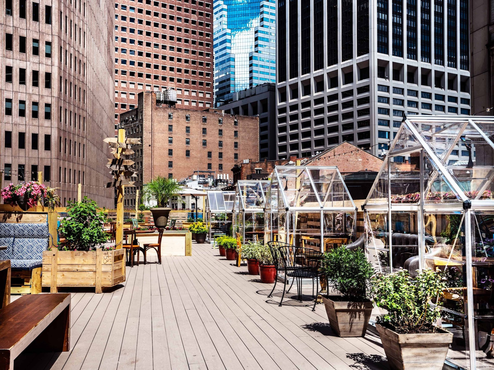 You Can Dine In A Private Greenhouse At This Manhattan Rooftop Restaurant