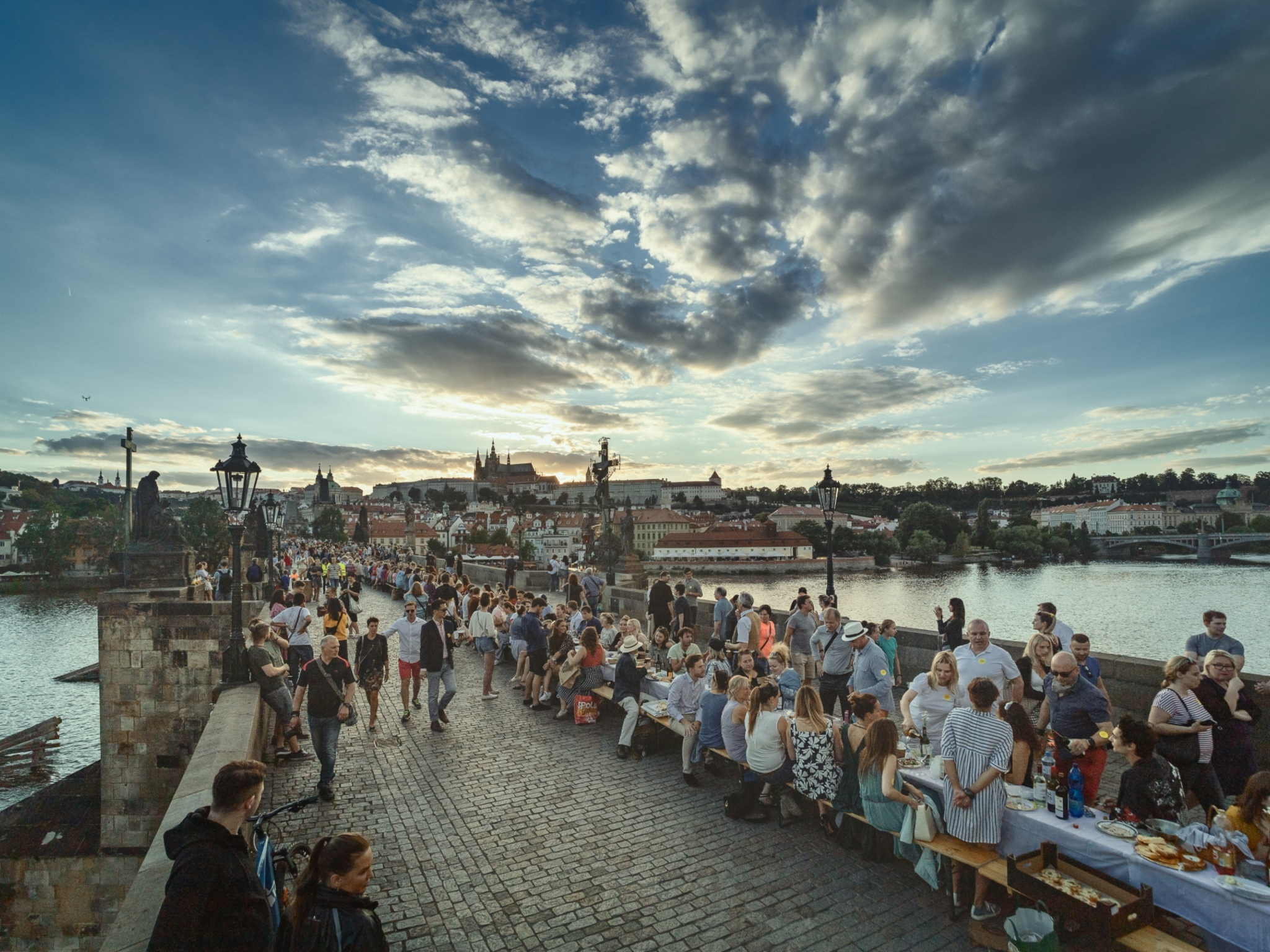 Prague held a feast on the Charles Bridge