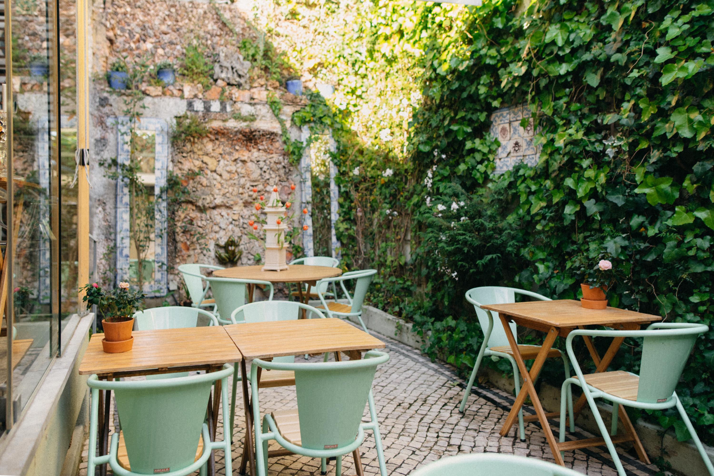 No pátio privado da Casa Amora, nas Amoreiras, há um novo brunch ao fim-de-semana