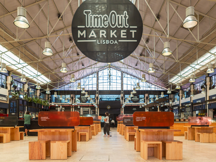 O melhor da cidade debaixo do mesmo tecto: os restaurantes do Time Out Market Lisboa