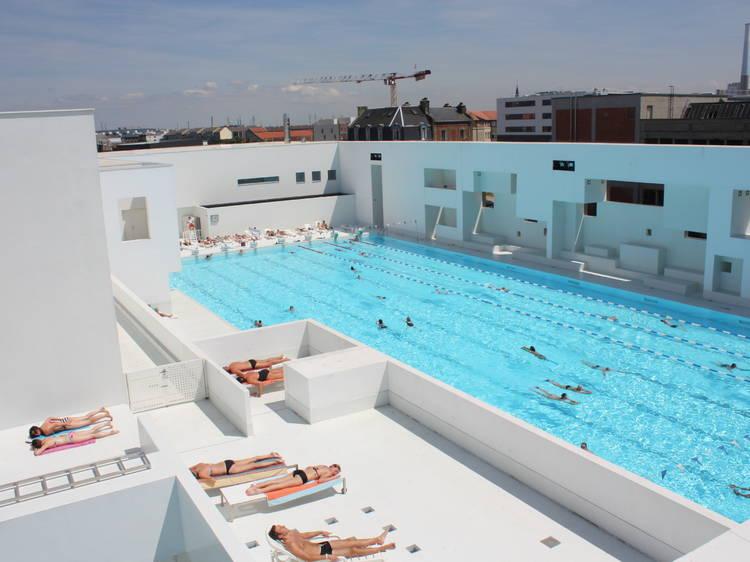 Se délasser aux Bains des Docks, ce complexe aquatique/spa dessiné par Jean Nouvel