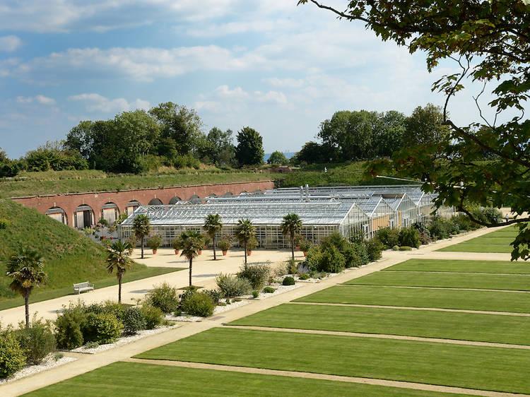 S'ébrouer dans les 17 hectares des Jardins suspendus, situés dans un ancien fort militaire