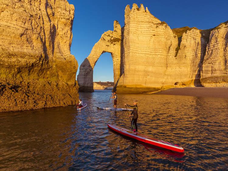 Filer voir les falaises d'Étretat, plus belle source d'inspiration des impressionnistes