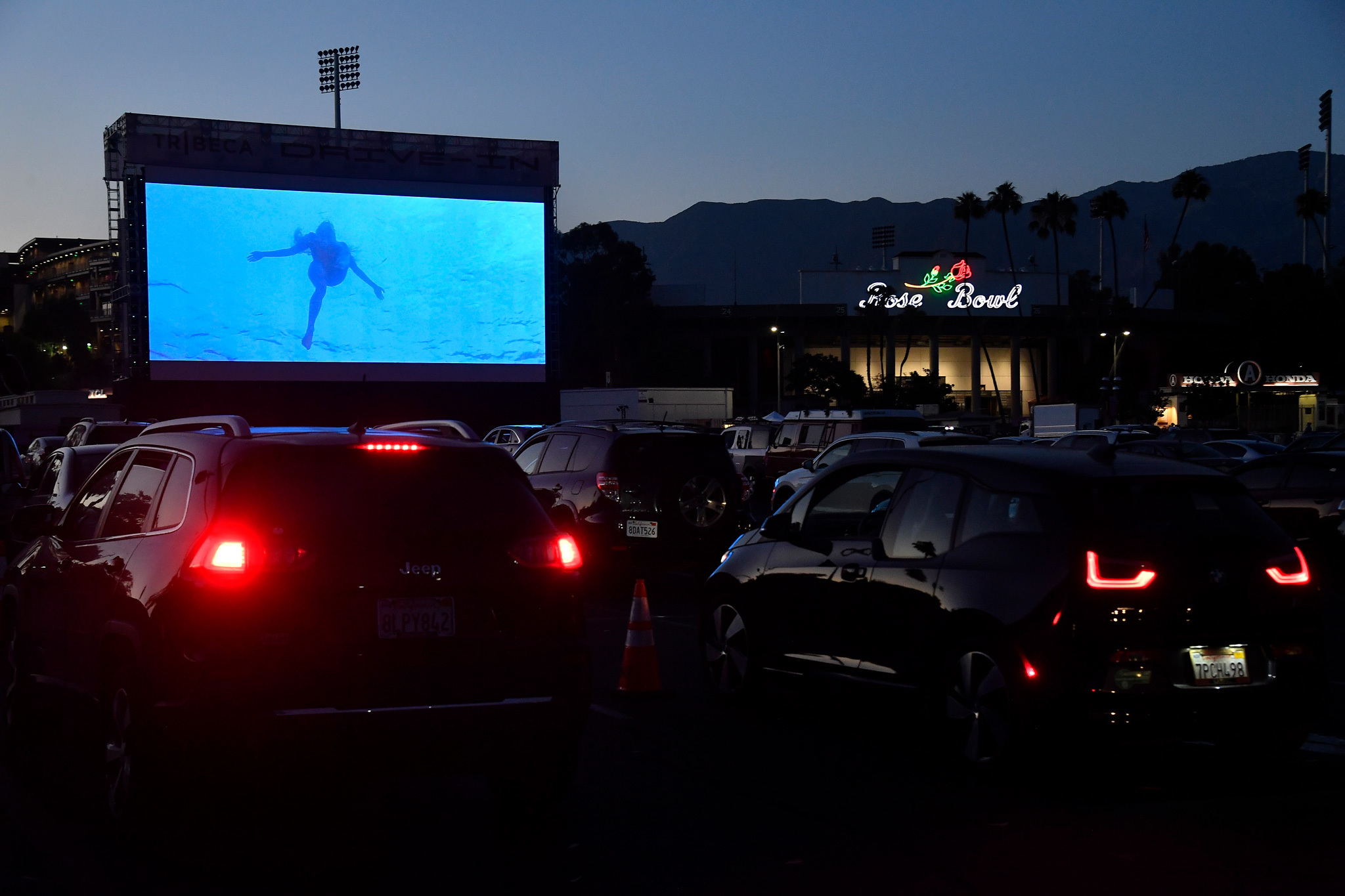 Tribeca Drive In Is Bringing A Pop Up Drive In To The Rose Bowl