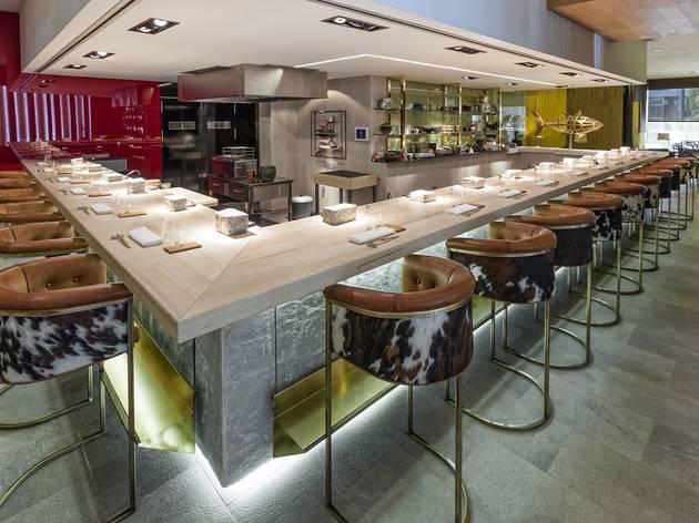 Sala de 99 KO Sushi Bar
