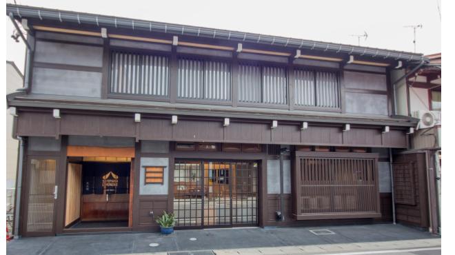 新築町家の分散型ホテル「SATOYAMA STAY」が飛騨に開業
