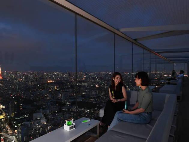 渋谷の夜景とシャンパンを、期間限定ルーフトップバーがオープン