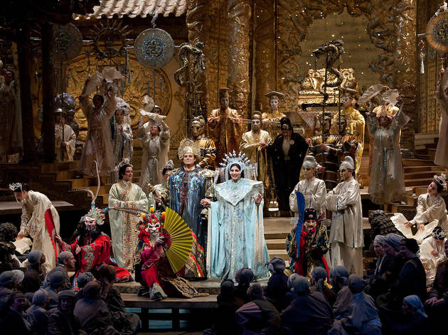 """A scene from Act III from Puccini's """"Turandot"""" with Marcello Giordani as Calàf and Maria Guleghina as Turandot."""