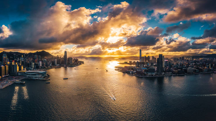 Summer Sunsets by Martin Lee/Beyond Visuals