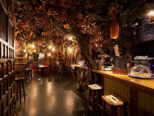 Interior del Bosc de les fades