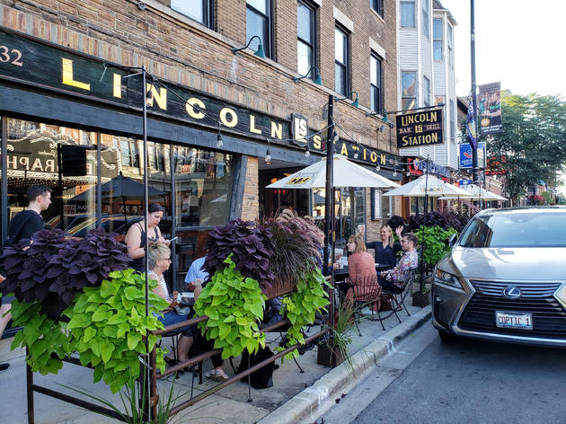 outdoor dining, Lincoln Station, Lincoln Avenue, James Foster