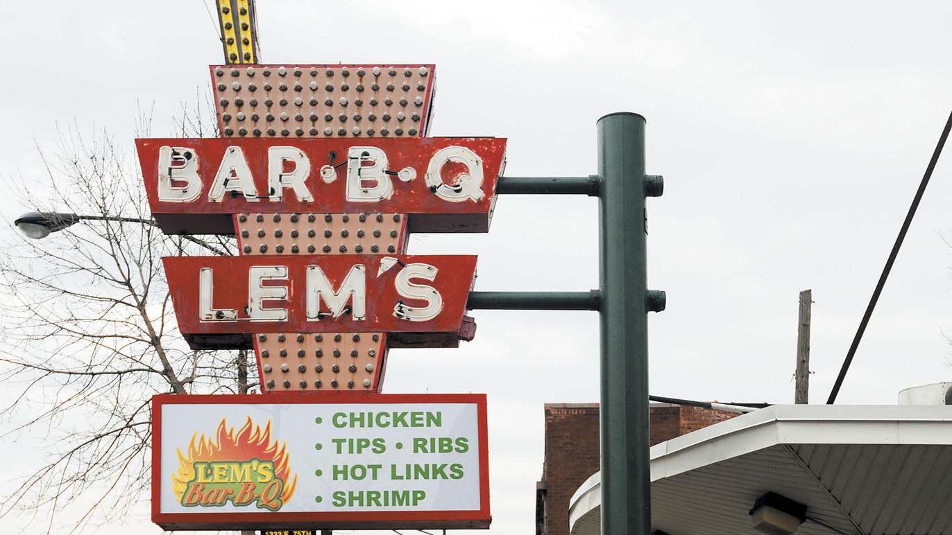 Lem's Bar B Q sign