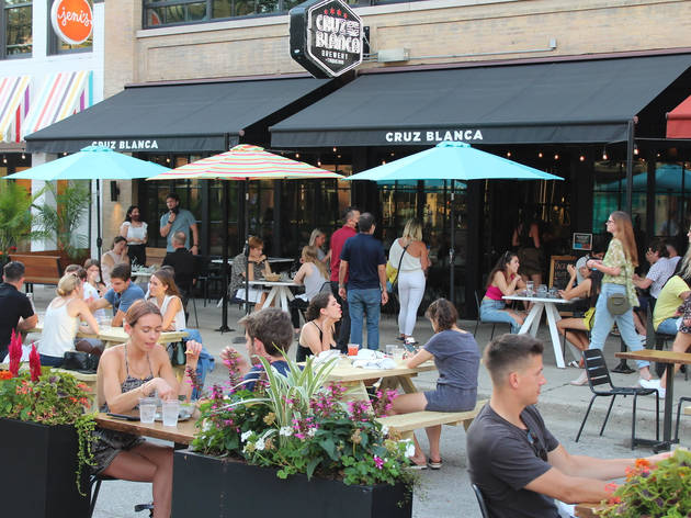 These Chicago streets are open for outdoor dining