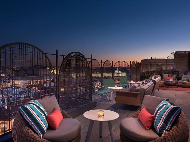 Aloft Hotel, WXYZ Bar