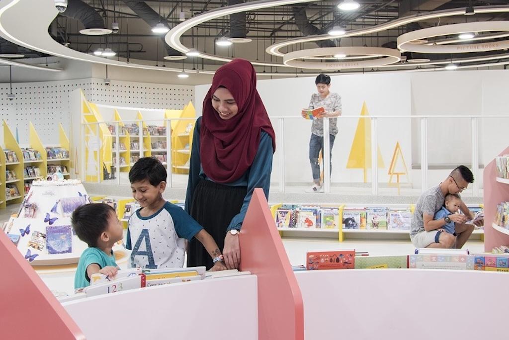 Bukit Panjang Public Library
