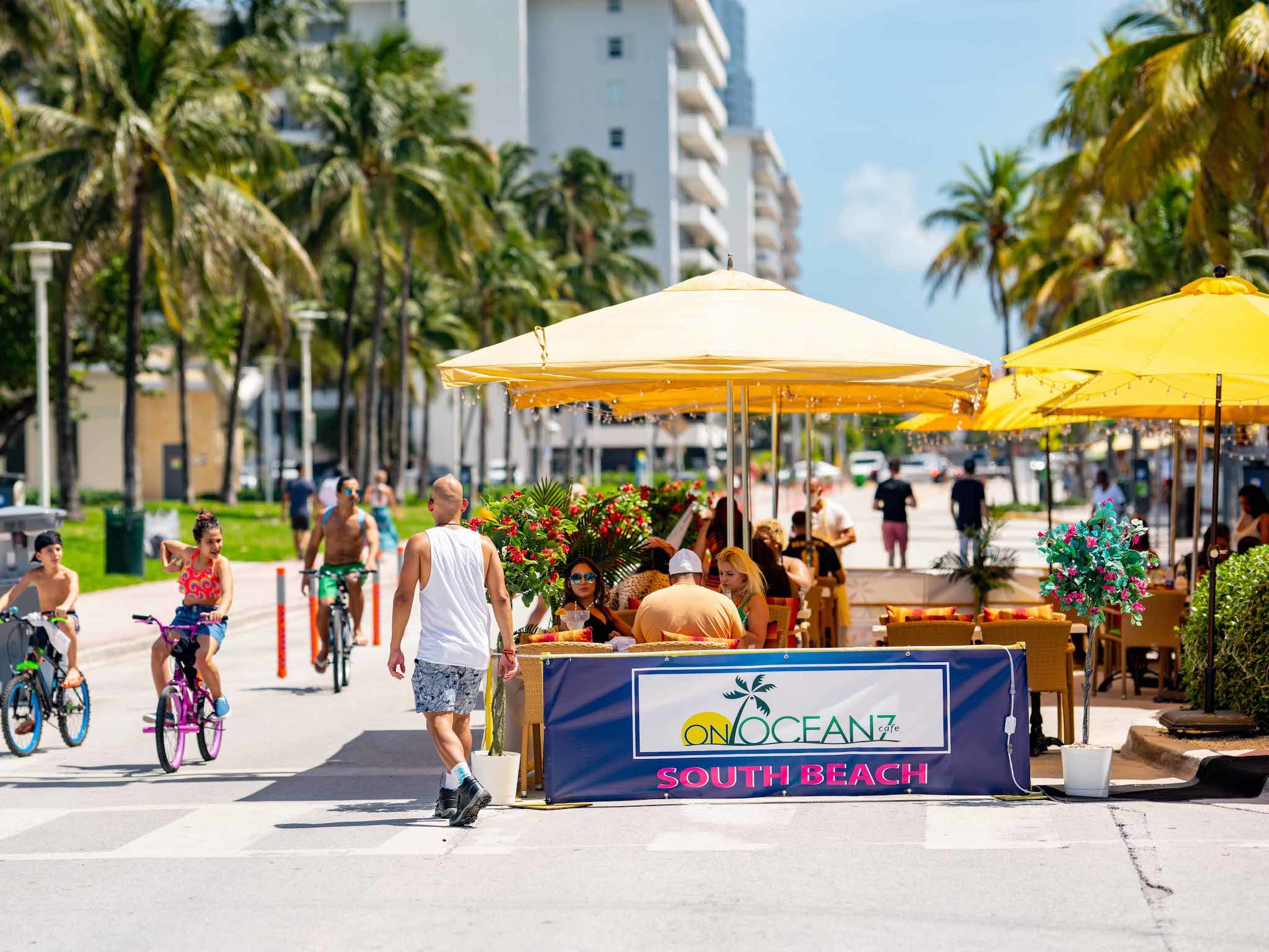 Outdoor dining South Beach