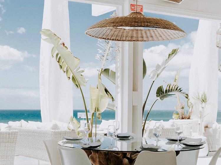 Clássico Beach Bar by Olivier