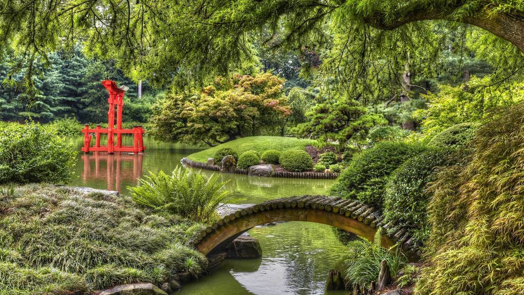 The Brooklyn Botanic Garden is reopening August 7