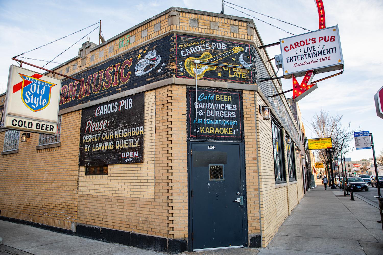 Chrissy Slaton, Carol's Pub