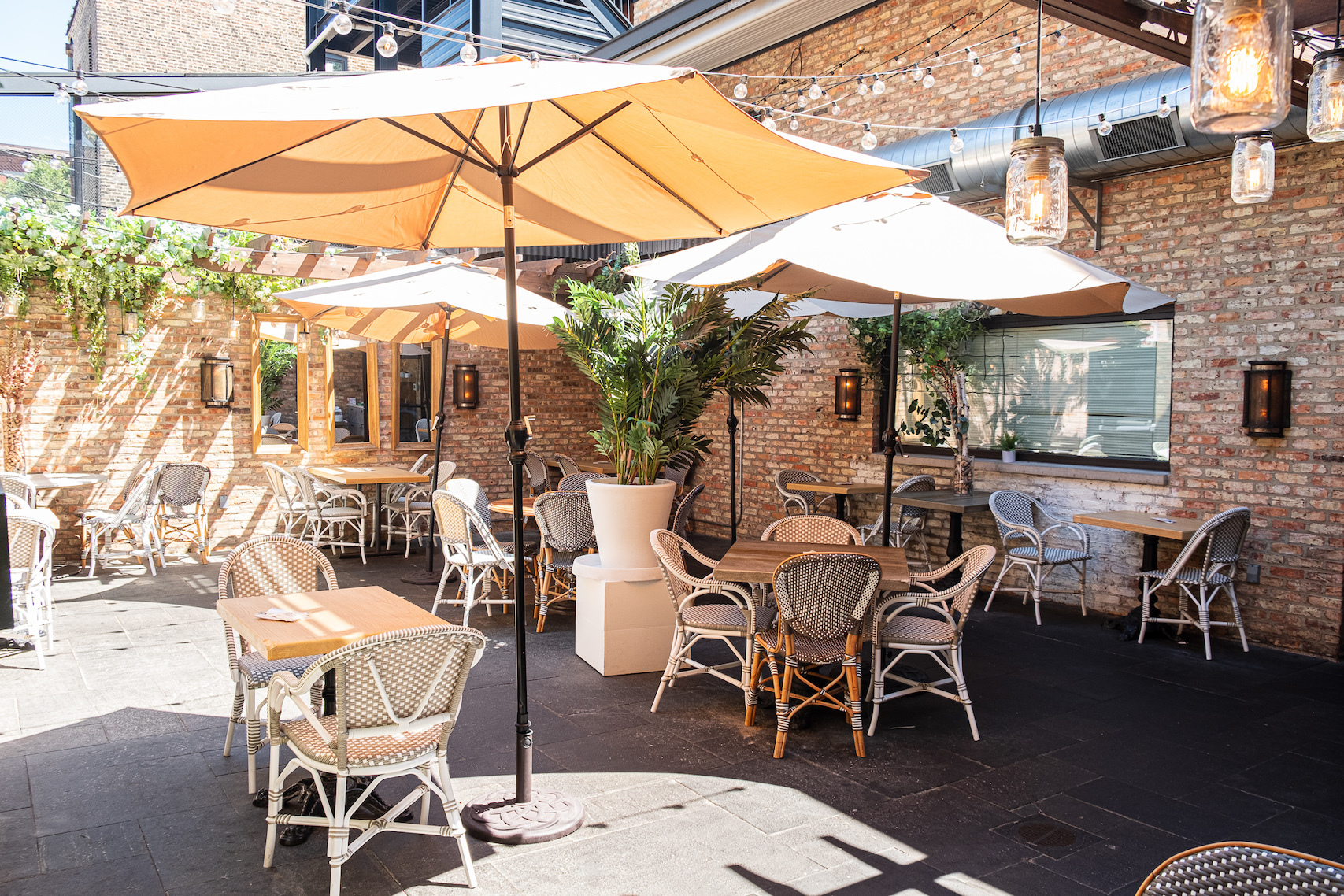 Stella Barra patio
