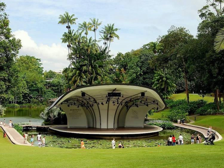 Have a picnic at Singapore Botanic Gardens