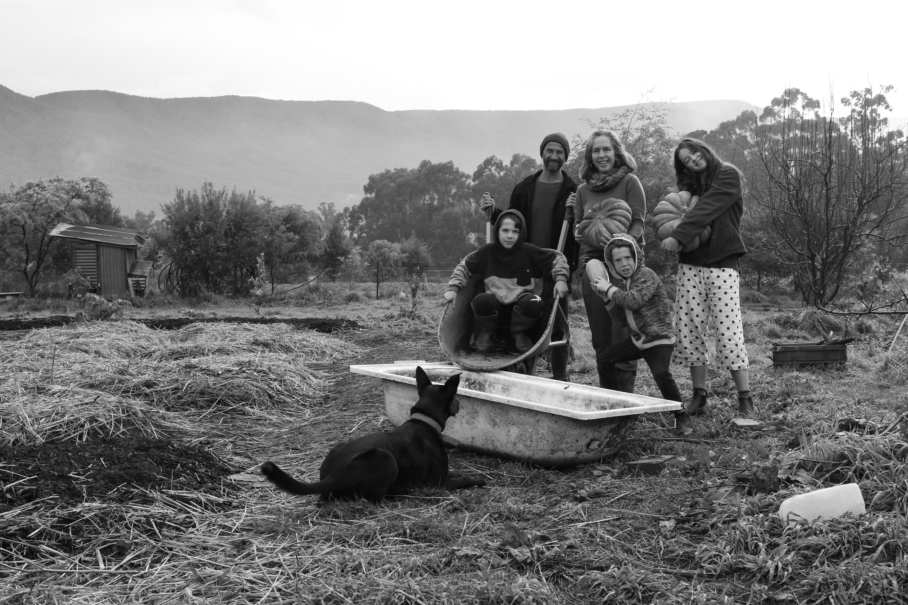 These portraits capture families in Australia's Yarra Valley during isolation