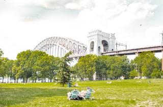 Astoria Park Hell Gate Bridge