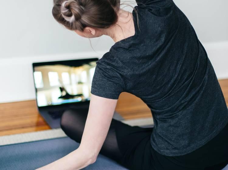 Estúdios de yoga do Porto com aulas online