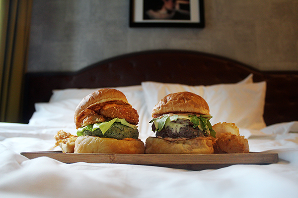 Burgers in Bed Hotel G