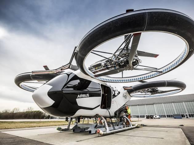 エアバスの空飛ぶタクシーCityAirbusがドイツで初飛行
