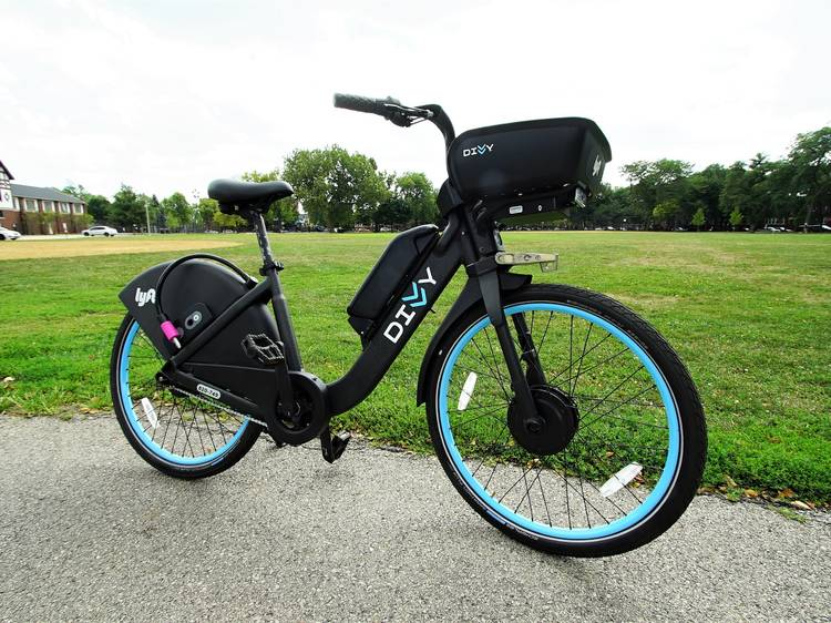 Cruise around town on a Divvy e-bike