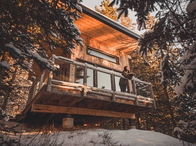 Cozy up with these chalet Airbnbs near Montreal this winter